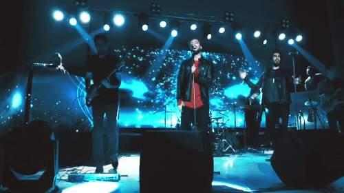 اجرای زنده آهنگ دیوونه من